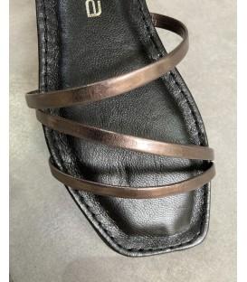 Sandalia tiras bronce